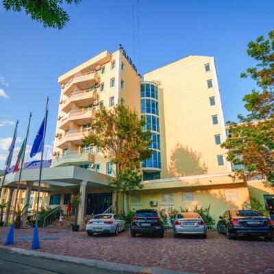 hotel-perla-beach-fasade-hotelsperla-gallery-07