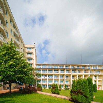 hotel-perla-beach-fasade-hotelsperla-gallery-10