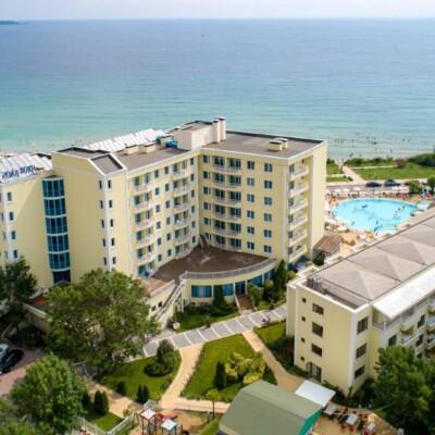 hotel-perla-beach-fasade-hotelsperla-gallery-13