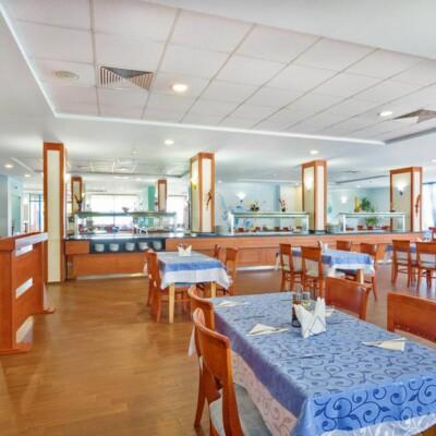hotel-perla-beach-restaurant-hotelsperla-gallery-06