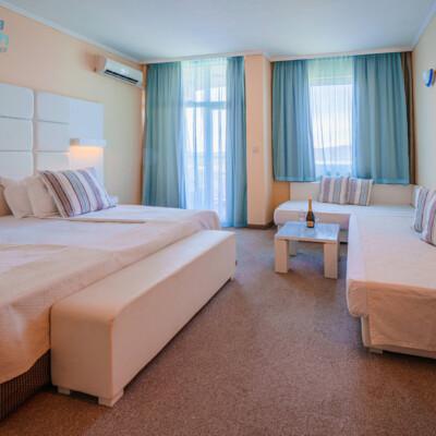 hotel-perla-beach-room-hotelsperla-gallery-02