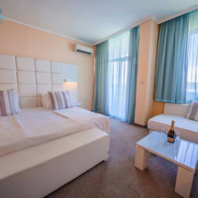 hotel-perla-beach-room-hotelsperla-gallery-03