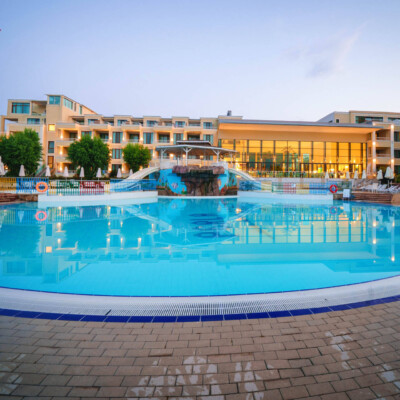 hotel-perla-luxury-fasade=hotelsperla-gallery-10