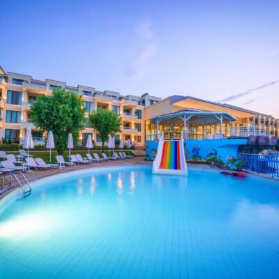 hotel-perla-luxury-fasade=hotelsperla-gallery-12