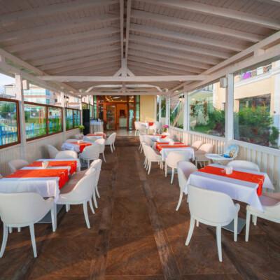 hotel-perla-luxury-restaurant-hotelsperla-gallery-02