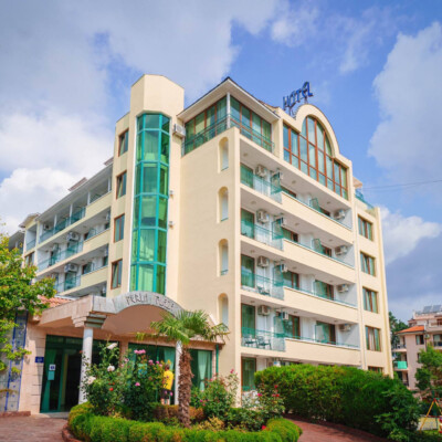 hotel-perla-plaza-fasade-hotelsperla-gallery-03