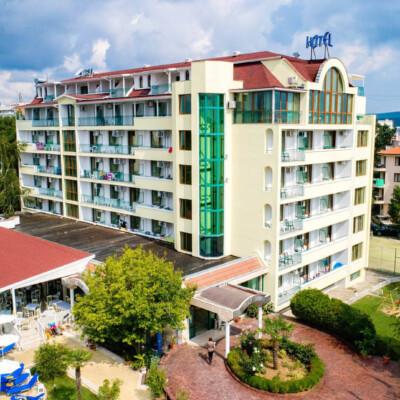 hotel-perla-plaza-fasade-hotelsperla-gallery-08
