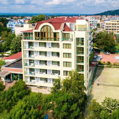 hotel-perla-plaza-fasade-hotelsperla-gallery-09