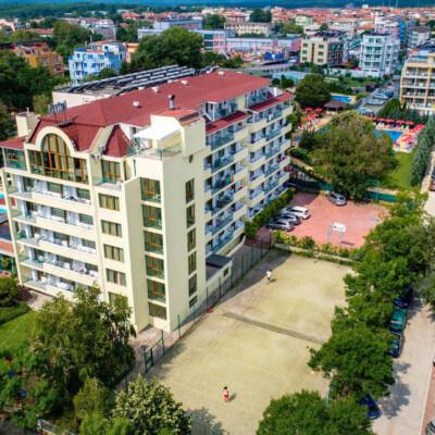 hotel-perla-plaza-fasade-hotelsperla-gallery-10
