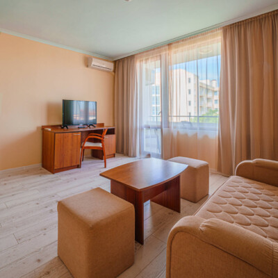 hotel-perla-plaza-penthouse-hotelsperla-gallery-05
