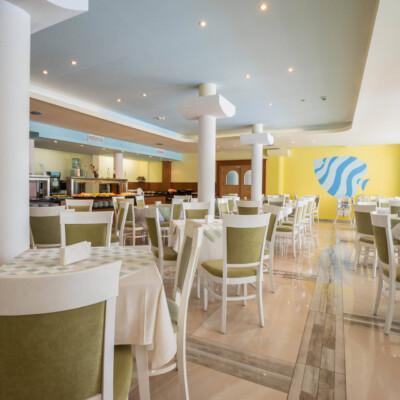 hotel-perla-plaza-restaurant-hotelsperla-gallery-01