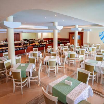 hotel-perla-plaza-restaurant-hotelsperla-gallery-02
