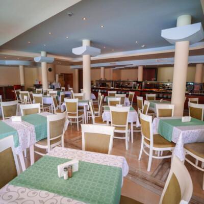 hotel-perla-plaza-restaurant-hotelsperla-gallery-03