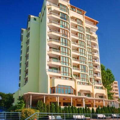 hotel-perla-sun-fasade-hotelsperla-gallery-01