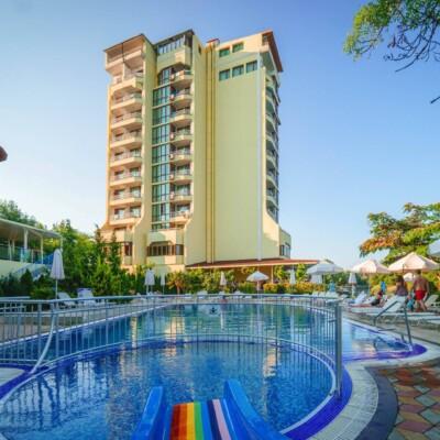 hotel-perla-sun-fasade-hotelsperla-gallery-04