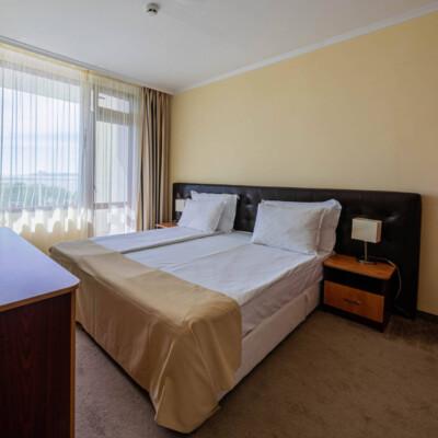 hotel-perla-sun-room-hotelsperla-gallery-02