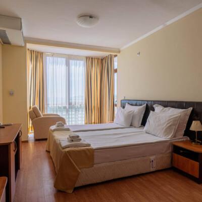 hotel-perla-sun-room-hotelsperla-gallery-04