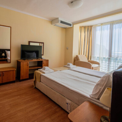hotel-perla-sun-room-hotelsperla-gallery-06