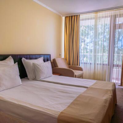 hotel-perla-sun-room-hotelsperla-gallery-08
