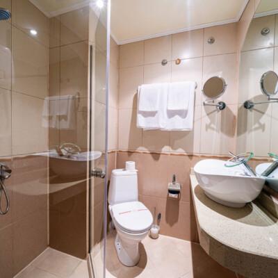 hotel-perla-sun-room-hotelsperla-gallery-10